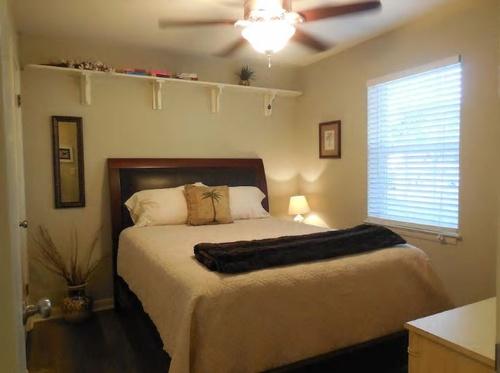 Gallery Image bedroom%203.JPG