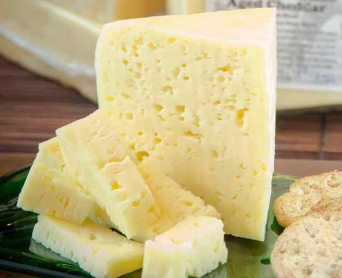 Gallery Image Youngs%20Dairy%20cheese.jpg