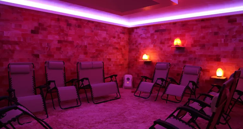 Mediatate & relax while benefitting from the healing properties in our salt cave