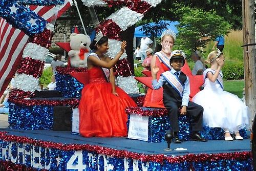 Gallery Image 4th-parade.jpg