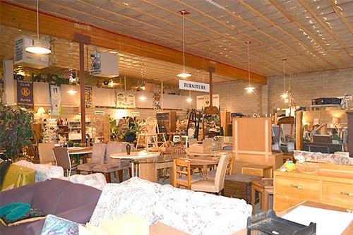 Gallery Image kiwanis%20market.jpg
