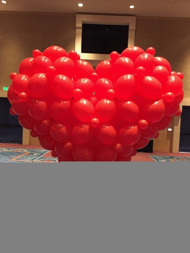 Gallery Image giant%20heart%20with%20stand.jpeg