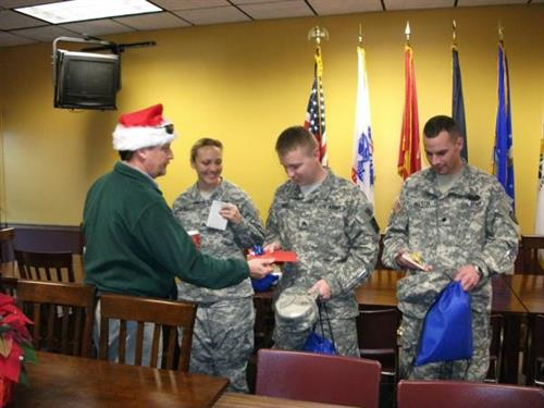 Xmas 2011 at the USO for soldiers unable to go home.