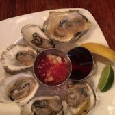 Gallery Image The%20Port%20Oyster%20Bar%20Pic.jpg