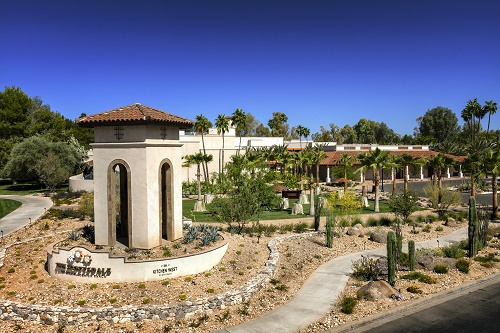 Gallery Image The%20Scottsdale_Exterior_Community%20Lawn.jpg