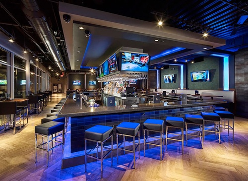 Gallery Image 2738_bar-restaurant-topgolf-webster-01.jpg