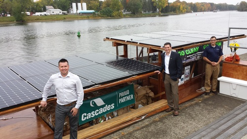 The Solar Sal 40 delivering its historic cargo in October 2015