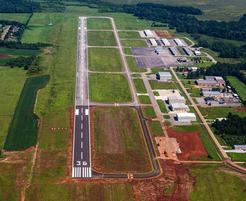 Gallery Image 6500ft-runway.jpg
