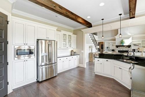 Gallery Image white-kitchen-768x512.jpg