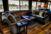 Gallery Image harbourinn-loungeC-homepage.jpg