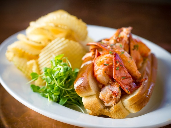 Gallery Image lobster%20roll.jpg