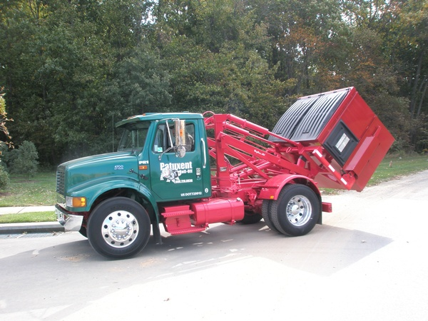 Gallery Image patuxent%20roll-off%20MINI%20TRUCK%20W%20DUMPSTER.JPG