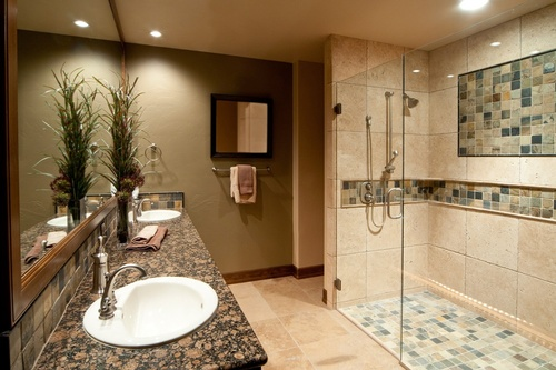 Gallery Image bathroom-000010527456_large.jpg