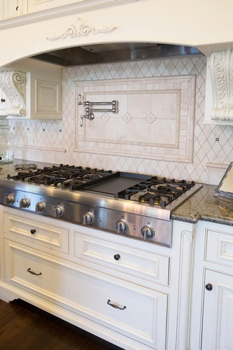 Gallery Image french-country-kitchen-range-000092523331_large.jpg