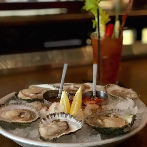Enjoy our fresh oysters