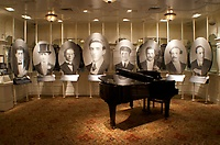 Gallery Image titanic-musicians-gallery06sm.jpg