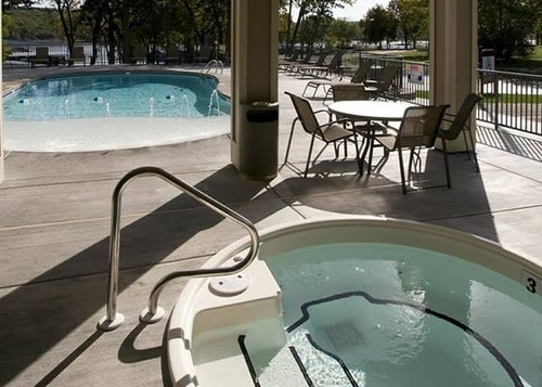 Port of Kimberling Resort Hot Tub