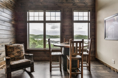 Gallery Image Chalets-%20lakeview.jpg