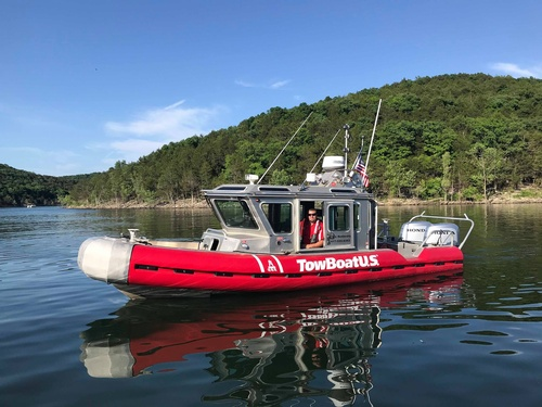 Gallery Image TowBoat-%20Capt%20Andrew.jpg