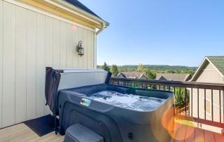 Canyon- Hot Tub