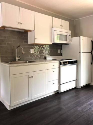 Gallery Image kitchen%20back%20splash.jpg