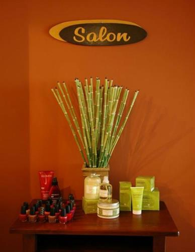 Gallery Image Salon%20Sign%20Compressed.jpg