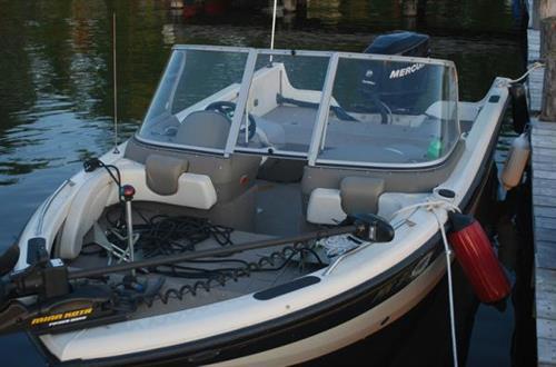 Crestliner Sportfish Rental Boat