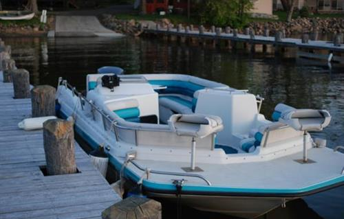 Hurricane Deck Boat Rental