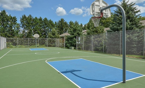 Gallery Image basketball-court-for-springetts-apartments-at-manor-communities-york-pennsylvania.jpg