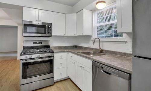 Gallery Image signature-kitchen-style-2.jpg