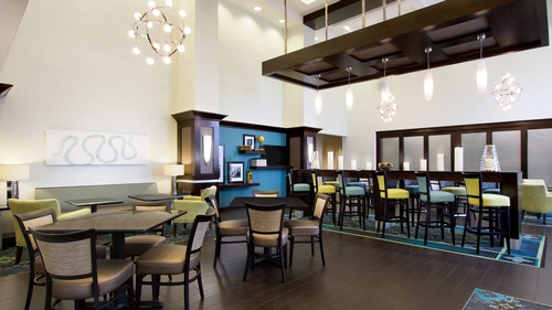 Gallery Image breakfast-area-with-community-table-936983(1).jpg