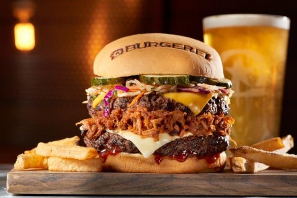 Gallery Image burgerfi3.jpg