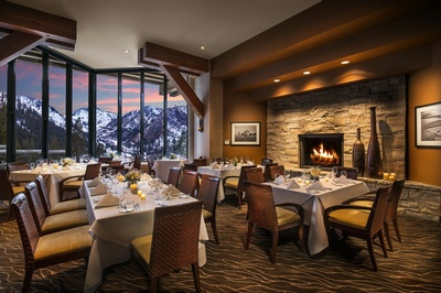 Gallery Image resort%20at%20squaw%20creek%20dining2.jpg