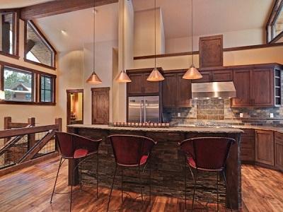 Gallery Image Aspenransitional-kitchen.jpg