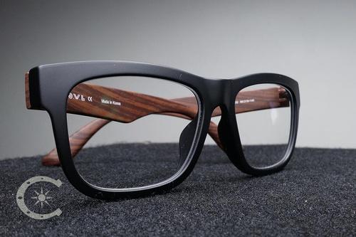 Gallery Image cloverdale-frames-lenses.jpg
