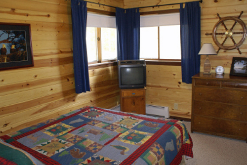 Gallery Image sunrise_bedroom-small_191219-025307.jpg