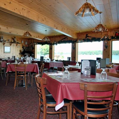 Gallery Image Dining-056_090120-121026.jpg