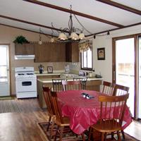 Gallery Image Pineview_diningroom_01.jpg