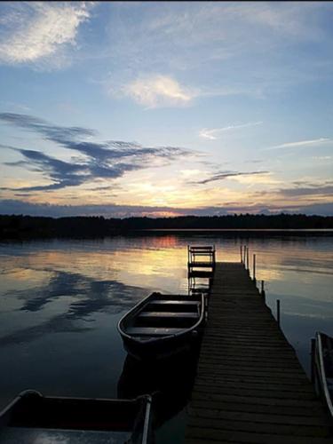 Gallery Image homestead-lake.jpg
