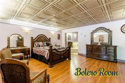 Bolero Room