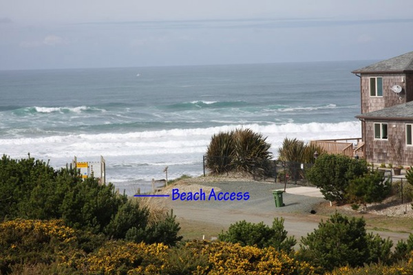 Gallery Image View-to-Beach-Access.jpg