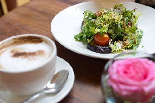 Gallery Image salad_coffee.jpg