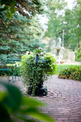 Gallery Image courtyard%20urn.jpg
