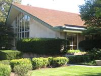 The Winnetka Library is located at 768 Oak Street in Winnetka.