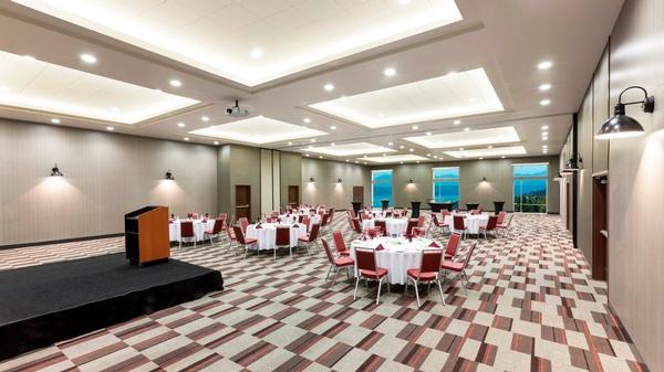 Gallery Image Olympic-Ballroom-2-HD.jpg