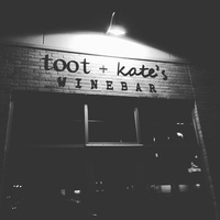 Toot & Kate's Wine Bar