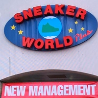 Sneaker World Plus
