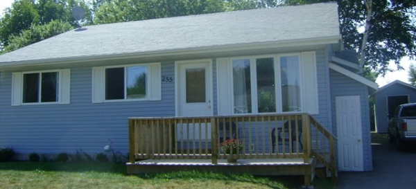 Gallery Image cottage_front_sized-resize-680x310.jpg