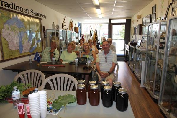 Gallery Image HSM-Traditional-Medicine-Workshop2-July-14_16.jpg