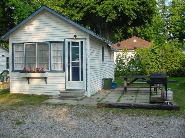 Gallery Image summer-breeze-cottage2%20(1).jpg